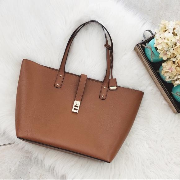 db6c27dd3ccbec Michael Kors Bags | Camel Karson Tote Leather Luggage | Poshmark